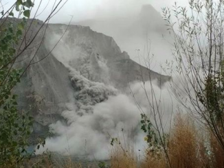 Earthquake In Afghanistan As Indian Count Temple Blaze Victims