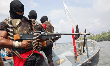 militants blows pipeline in warri