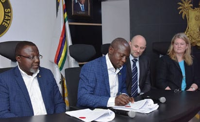 Lagos, UK firm sign N2.52bn MoU on construction of 10,000 street lights