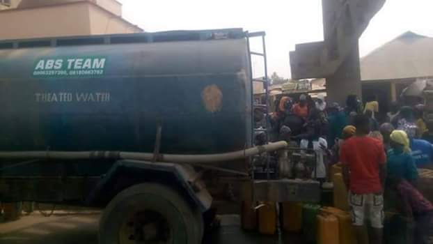 Residents of Okellele Area of Ilorin in search of potable water
