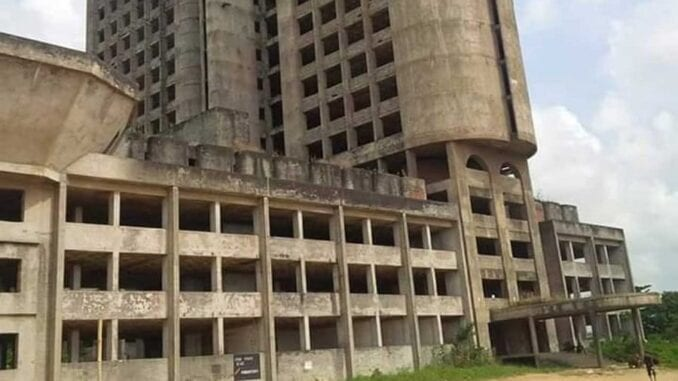 Homeless people Migrants others occupy abandoned Lagos buildings